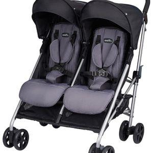 Like new Evenflo Minno Twin Double Stroller SUMMERLIN for Sale in Las Vegas, NV