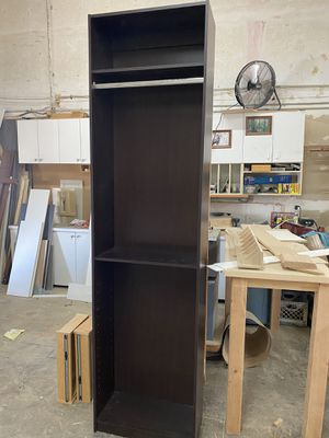 Closet with Adjustable shelves for Sale in Pembroke Pines, FL
