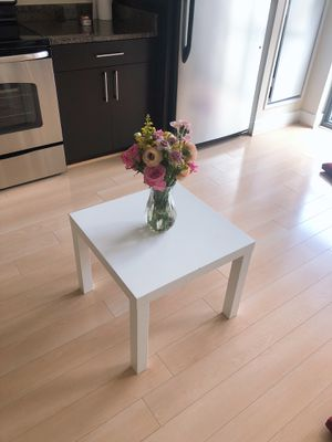 small coffee table for Sale in Washington, DC
