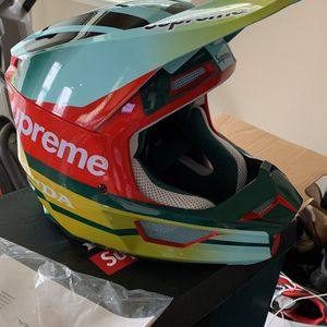 Large Fox Honda Supreme Dirt Bike Helmet for Sale in Fresno, CA