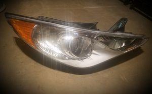 2011 - 2014 Hyundai Sonata Right Headlight for Sale in Munster, IN