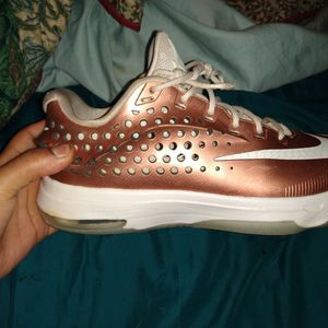 Nike Kd Elite Shoes Size 8.5 There A Goldish Brown Color for Sale in Chickasha, OK