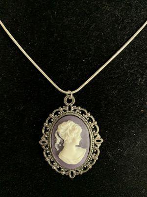 """Pendant """"Cameo"""" Charm (Please Read Description) for Sale in Bainbridge Island, WA"""
