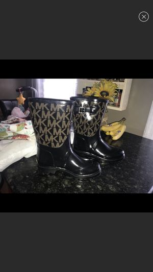 Michael Kors Women's Rain Boots size 8 for Sale in Woonsocket, RI