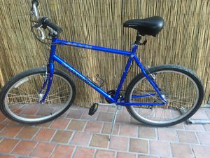 SCHWINN FRONTIER BLX CRO-MOLY TUBE Mountain Bike New inner tubes Just tuned up Rides perfect For a tall person 6' and up for Sale in Los Altos, CA
