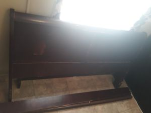 Queen bed frame for Sale in Bellmead, TX