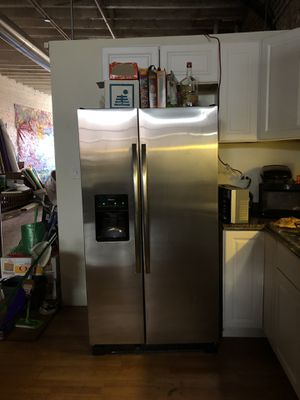 Refrigerator, oven, washer/dryer & dishwasher for Sale in Chicago, IL