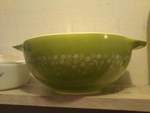 Pyrex large round bowl for Sale in San Antonio, TX