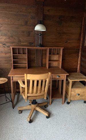 Computer desk for Sale in Sterling, VA