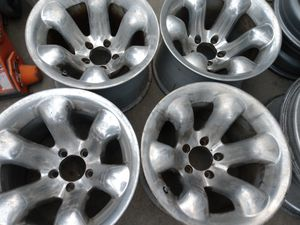 15 inch polished silver rims 5x114 bolt pattern for Sale in Los Angeles, CA