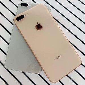iPhone 8 Plus (256 GB) Desbloqueado Con Garantià for Sale in Cambridge, MA