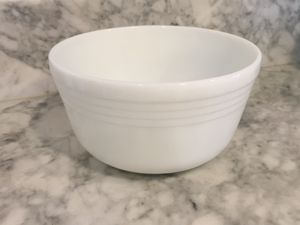 Vintage Pyrex milk glass bowl, large for Sale in Garden Grove, CA