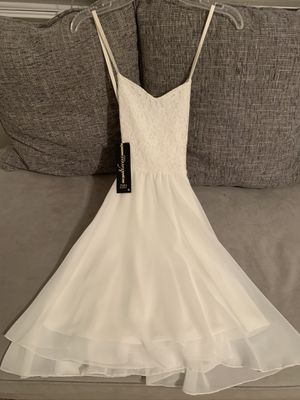 White beautiful dress size 10-12 for Sale in Irvine, CA