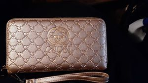 Gucci wallet for Sale in Fort Worth, TX