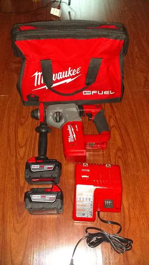 """Milwaukee M18 1"""" SDS plus rotary hammer drill kit for Sale in Buffalo Grove, IL"""