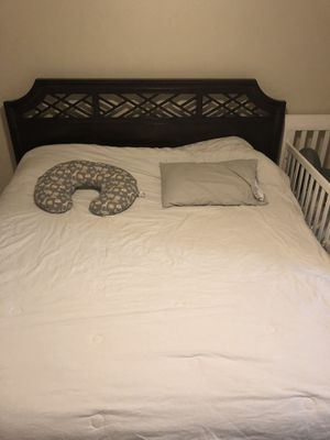 California king size bed with frame for Sale in Anchorage, AK
