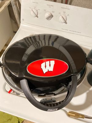 Wisconsin Badgers Coleman propane portable grill. for Sale in Greenfield, WI