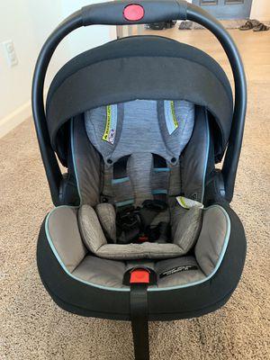 Graco snugride snuglock extend3fit 35 infant car seat for Sale in Visalia, CA