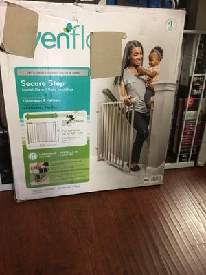 New baby gate opening up to 42 inches wide. Perfect for stairs for Sale in Los Angeles, CA