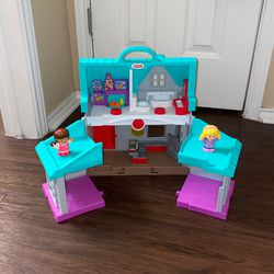 Fisher Price Toy House With 2 Girl Figures for Sale in Westminster,  CO