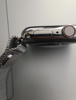 Apple Watch Series 5 GPS 44mm Stainless Steel for Sale in Brooklyn,  NY