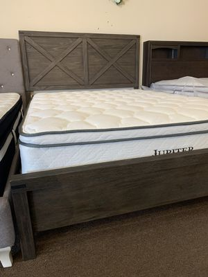 New queen bed frame solid wood barn style design for Sale in Bloomington, CA