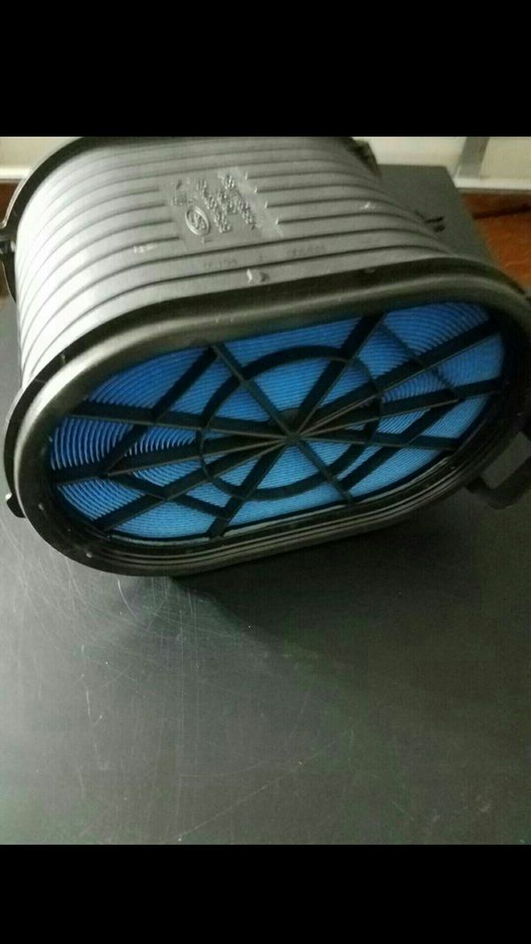 FORD HEAVY DUTY POWERSTROKE TRUCKS AIR FILTER. ORIGINAL OEM PART... NEW!!!!
