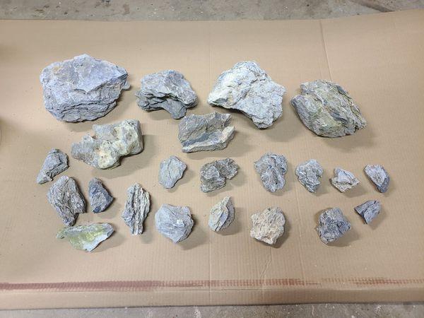Seiryu Aquarium Rocks (45 lbs)