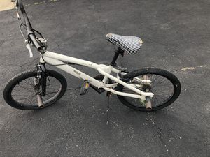 White and black mongoose bmx bike for Sale in Chicago, IL