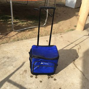 Blue Used Cooler for Sale in Arvin, CA
