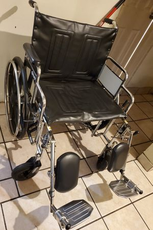 Big wheelchair hold up to 500 pounds for Sale in Riverside, CA