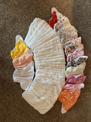 14 cloth diapers, 32 microfiber liners, diaper sprayer for Sale in Puyallup, WA