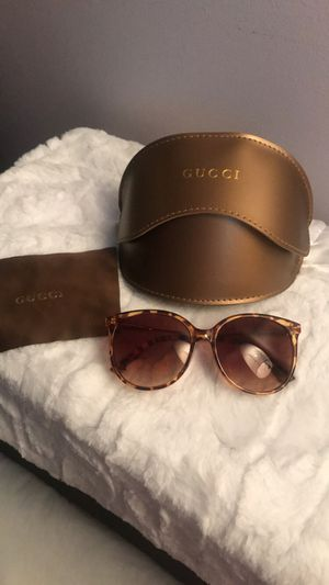 Gucci sunglasses for Sale in Cayce, SC