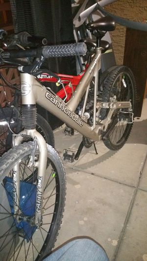 Cannondale superV 400 1999 model for Sale in Peoria, AZ