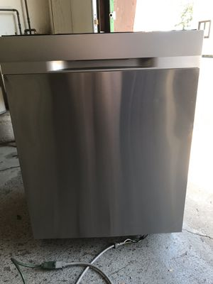 SAMSUNG NEW OPEN BOX STAINLESS STEEL DISHWASHER for Sale in Lancaster, PA