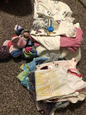 Free girls clothes for Sale in Medford, OR