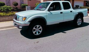Runs excellent 2003 Toyota Tacoma Smell fresh for Sale in Colorado Springs, CO