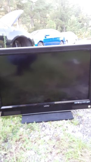 Vizio 32 inch tv for Sale in Willow Spring, NC