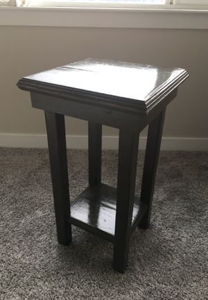 Small antique end table for Sale in Seattle, WA