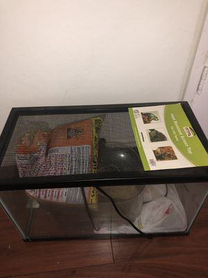 Aquarium/ reptile or small animal tank for Sale in Union City, CA