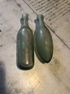 Antique Round Bottom Blue & Irradesent Bottles. Collectable for Sale in Tampa, FL