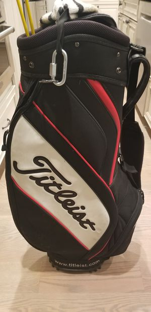 Golf Balls Titleist Taylormade and Golf Bag Titleist for Sale in Niles, IL