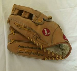"LOUISVILLE SLUGGER TPS SERIES GTPS-10 13"" RHT SOFTBALL GLOVE NEAR MINT COND.!! for Sale in Edgewood, WA"