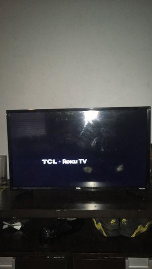 Flat screen tv TCL ROKU TV WiFi tv for Sale in Austin, TX