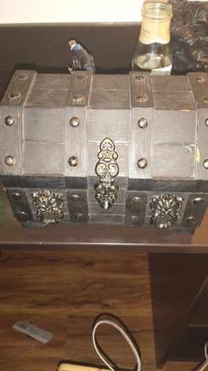 Tattoo setup with antique chest for Sale in Collegedale, TN