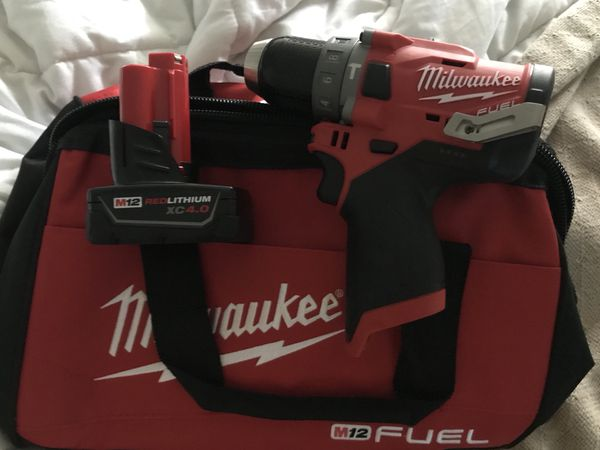 Milwaukee M12 Brushless FUEL Hammer Drill Driver (2504-20) w/ 4.0Ah battery