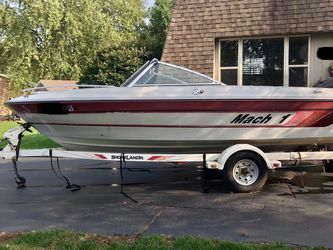 1989 Mach 1 (9) Passenger 125 Hp Boat for Sale in Naperville,  IL
