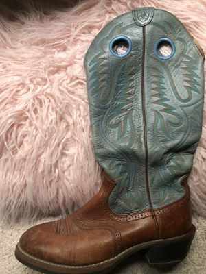 Men boots size 9 real leather for Sale in Annandale, VA