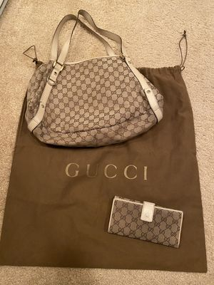 Gucci - Abbey shoulder bag & matching wallet for Sale in San Diego, CA