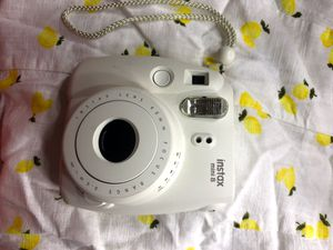 White Fuji Instax mini 8 for Sale in Bridgeport, CT